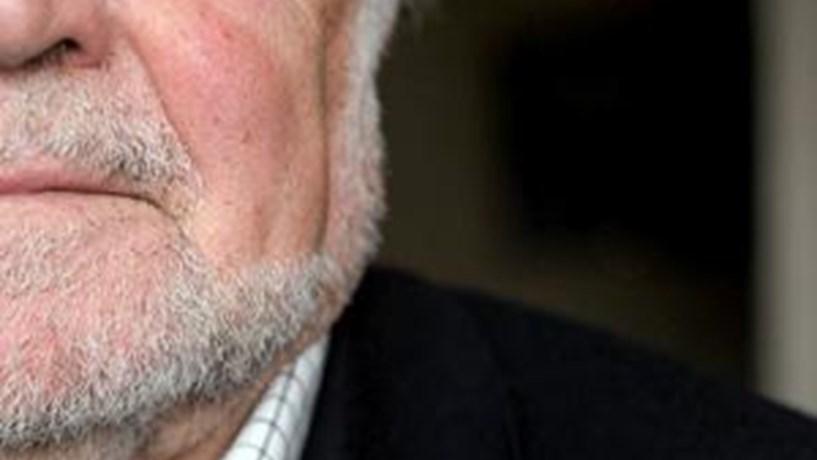 Alegre critica Cavaco por ainda não ter vetado nenhuma medida do Governo
