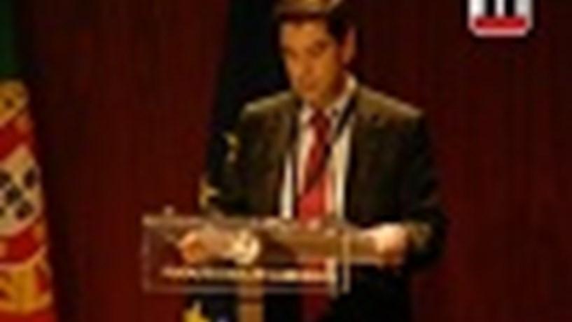 """Vídeo: Em 2008 e 2009 """"as finanças públicas tornaram-se claramente insustentáveis"""""""