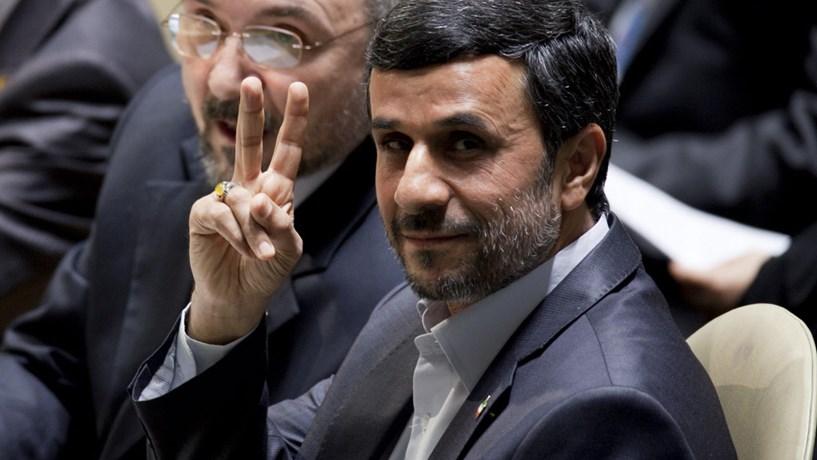 Ahmadinejad candidato às eleições presidenciais do Irão em Maio