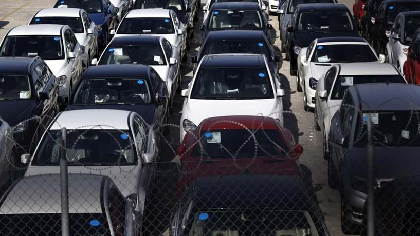 Vendas de automóveis continuaram a desacelerar em Outubro