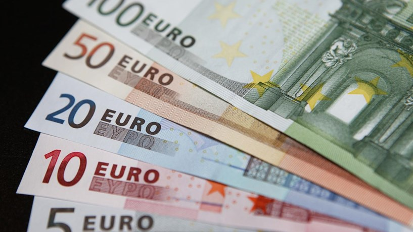 Euro em máximos de Novembro de 2011