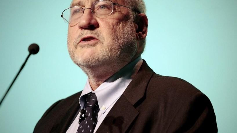 """Stiglitz defende que """"a melhor coisa"""" seria a Alemanha sair do euro"""