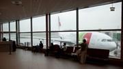 """Associação europeia de companhias aéreas alerta para """"enormes atrasos"""" no aeroporto de Lisboa"""