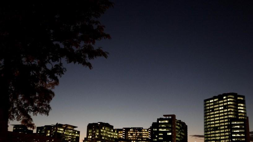 Campanha da DECO para pagar menos pela luz tem quase meio milhão de aderentes
