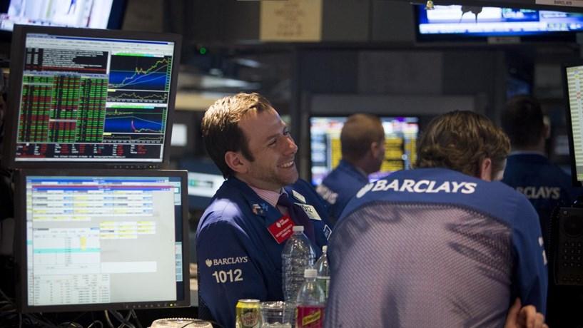Bancos escutam telefonemas para descobrir os melhores traders