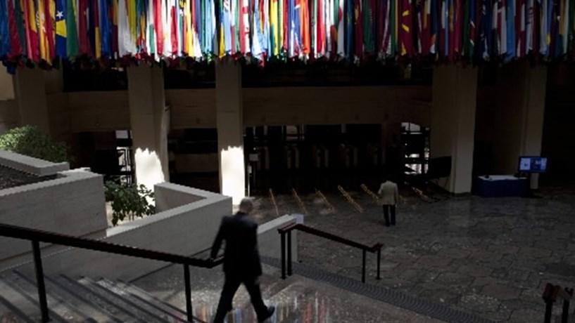Um ferido em explosão de carta na sede do FMI em Paris