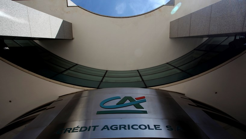Lucros do Crédit Agricole quase quadruplicam no primeiro trimestre