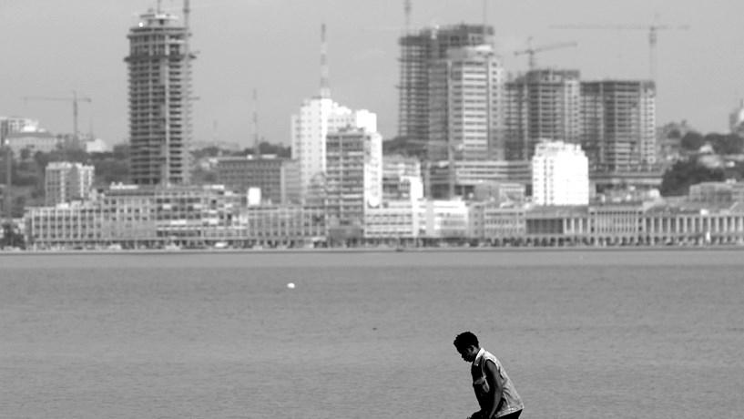 Angolanos recrutam em Portugal mais de metade dos estrangeiros
