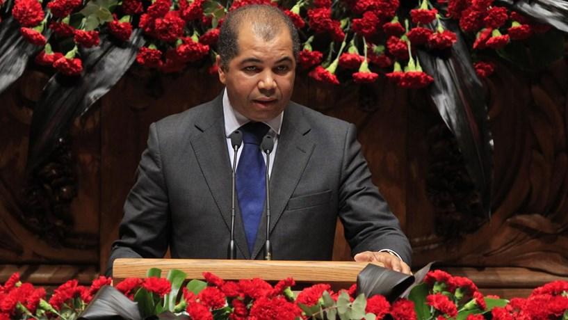 CDS questiona negócio na TAP e quer explicações do ministro na AR