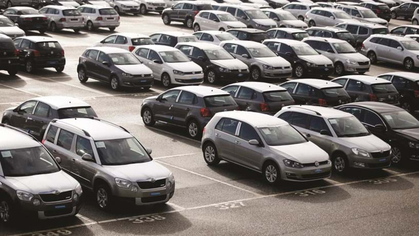 Importação de carros deixa de pagar taxa de 90 cêntimos