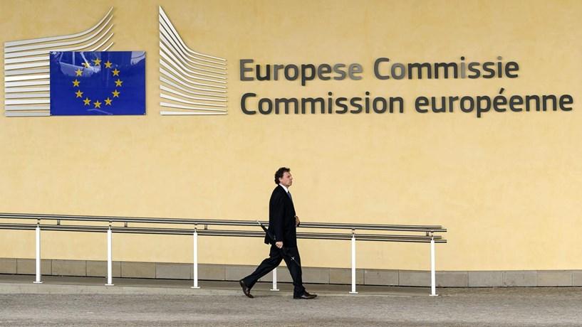 "Bruxelas decide ""breve, breve"" procedimento dos défices de Portugal"