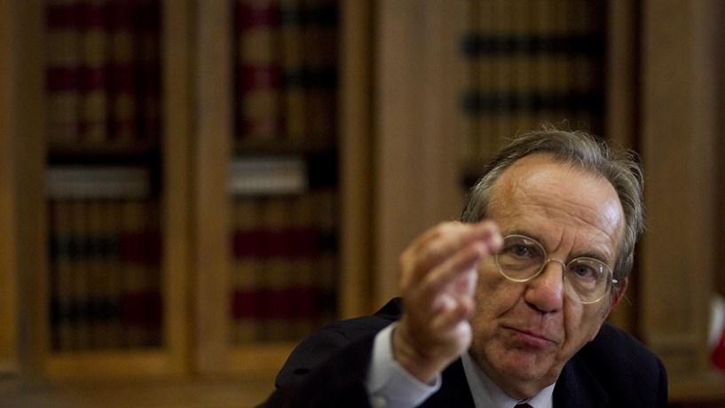 """Padoan critica avaliação """"opaca"""" do BCE das necessidades do Monte dei Paschi"""
