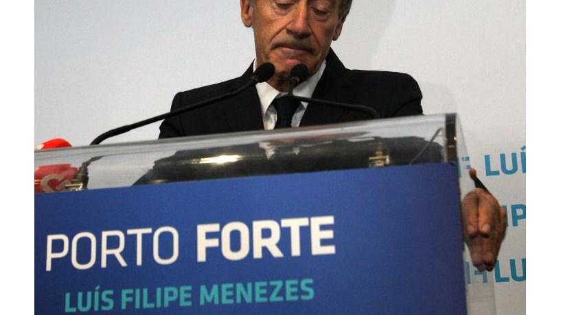 """Primeira derrota """"acaba"""" com o político Menezes"""