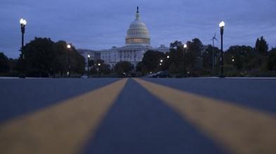 Congresso dos EUA aprova financiamento do governo por mais uma semana