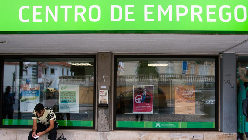 PSD: Descida da taxa de desemprego deve-se à reforma laboral de Passos Coelho