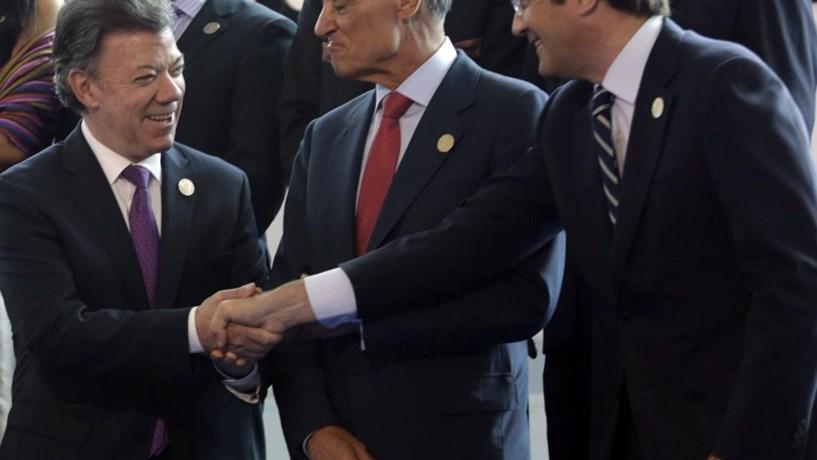 A 14 de Novembro de 2012 Portugal agraciou Juan Manuel Santos com o Grande-Colar da Ordem D. Infante D. Henrique