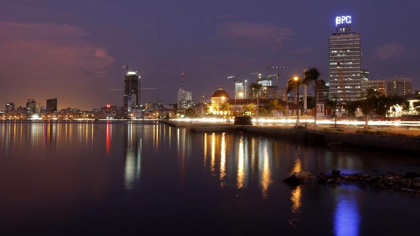 """Angola quer """"aligeirar"""" concessão de vistos de turismo"""