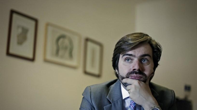 """Esquerda está a impor """"uma ficção de comissão de inquérito"""", acusa o CDS"""