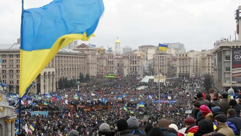 Putin envia tropas para a Crimeia. Comunidade internacional alerta para consequências