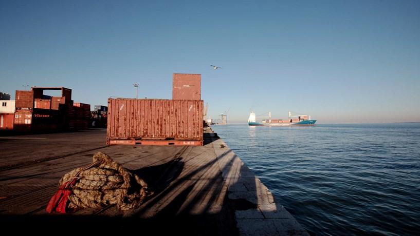 Exportações e importações dispararam em novembro