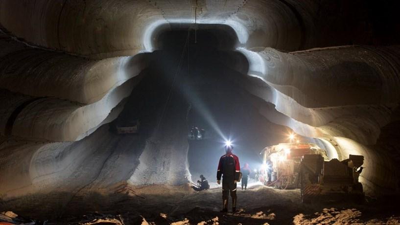 """A Lua poderá ser um lugar """"interessante"""" para exploração mineira privada, diz ESA"""