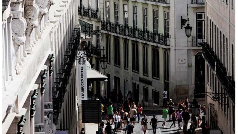"""Chiado sobe no """"ranking"""" das localizações de retalho mais caras do mundo"""