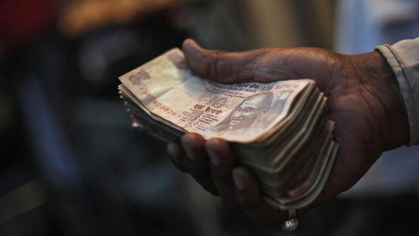 Índia retira notas de circulação para combater corrupção