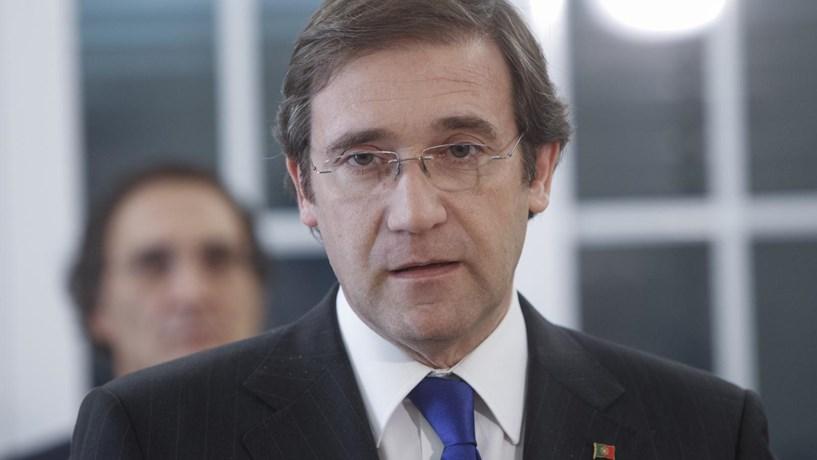 Passos Coelho contraria António Costa sobre perspectiva positiva da dívida