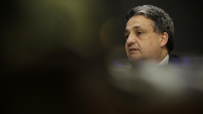 Prejuízos recorde da Caixa abaixo dos 3.000 milhões de euros