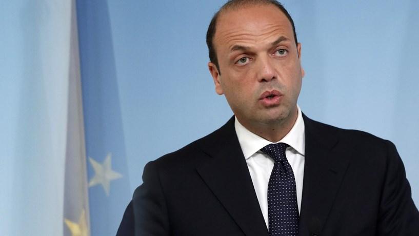 MNE italiano: UE não pode criticar o muro de Trump porque também os ergueu