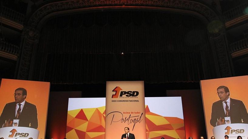 Eurosondagem: PSD é o partido que mais sobe e PS o que mais desce