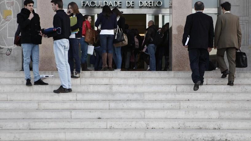 Estudantes universitários vão ter descontos no passe