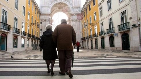 Novos pensionistas perdem 351 euros em seis anos