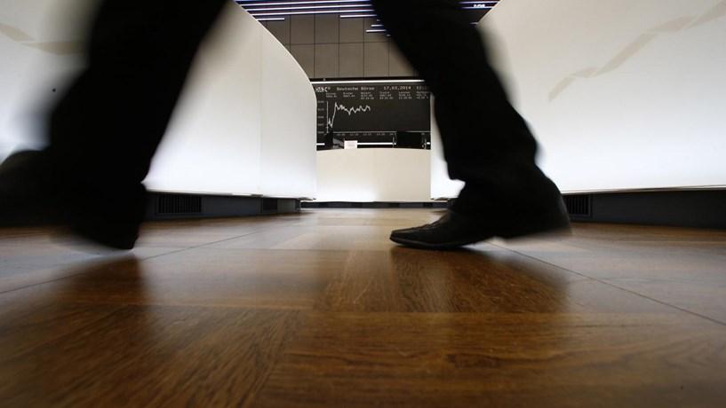 Abertura dos mercados: Europa prolonga pessimismo de Wall Street na penúltima sessão do ano