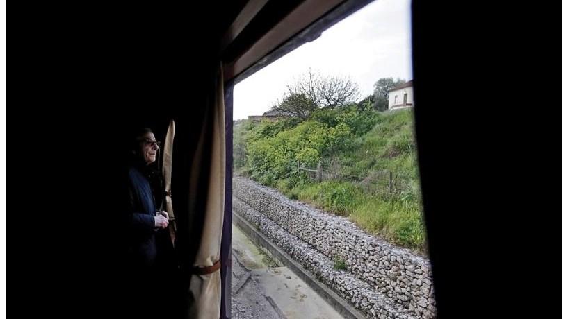Acidente de comboio causa nove feridos e interrompe circulação na linha do Norte