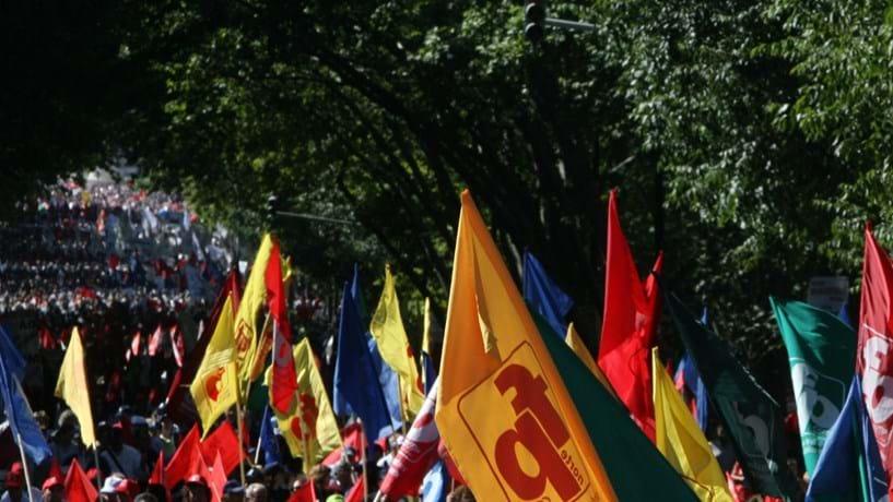 Funcionários públicos com pré-aviso de greve para manifestação no dia 18