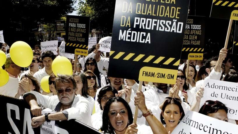 Médicos marcam dois dias de greve nacional