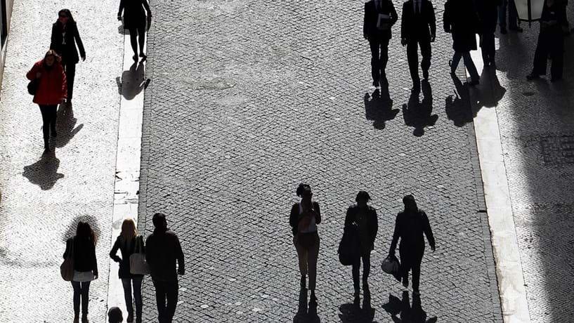 Consumidores mais confiantes em Novembro. Empresários menos