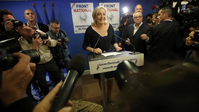 Marine Le Pen inspira-se em Trump e quer regresso da produção automóvel a França