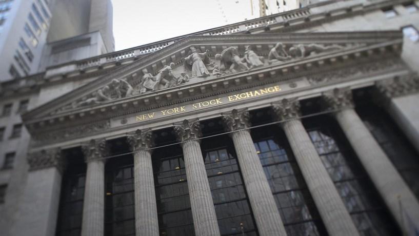 Depois da euforia, Wall Street corrige