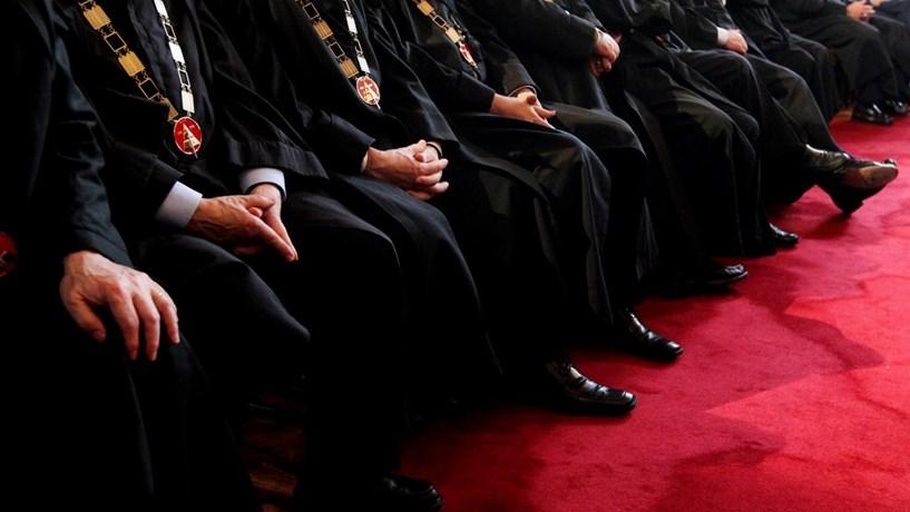 Onze juízes punidos e afastados por razões disciplinares