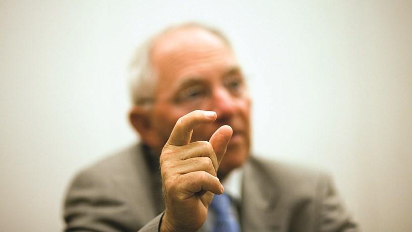 """Schäuble: Pagamento ao FMI mostra que resgate de Portugal é """"história de sucesso"""""""