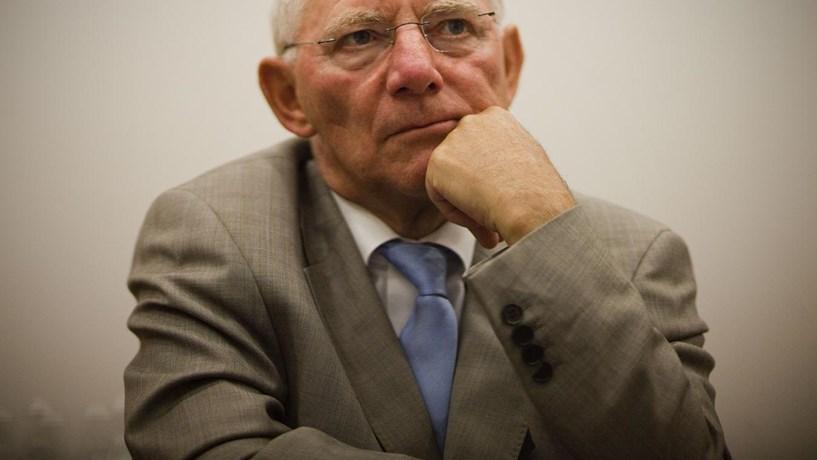 """Schäuble: Bancos centrais podem ter gerado """"bolhas"""" na China"""