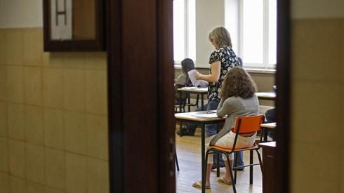 Cabaz médio dos manuais escolares ronda os 112,5 euros