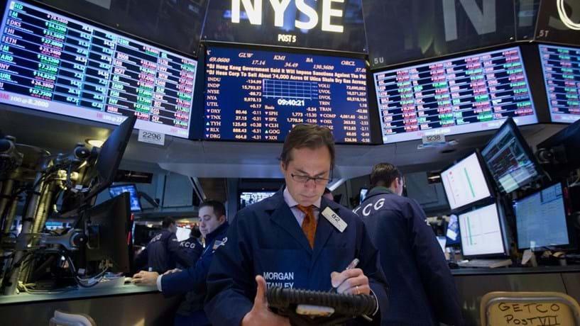 Dow Jones alcança novo máximo histórico ainda a beneficiar de Trump