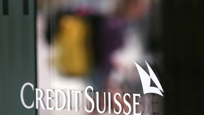 Credit Suisse com prejuízos de 2,2 mil milhões de euros no quarto trimestre
