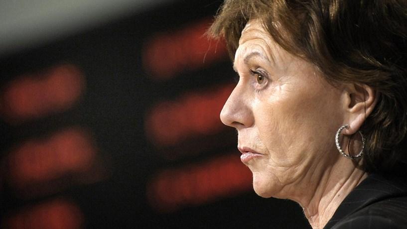 Bruxelas repreende ex-comissária e recupera pagamento