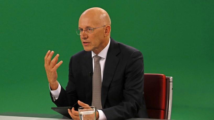 """Vítor Bento critica aumento de pensões: """"Estamos a construir uma casa de palha"""""""