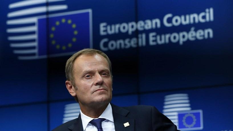 Tusk promete trabalhar por uma UE unida e pede a Varsóvia para não queimar pontes