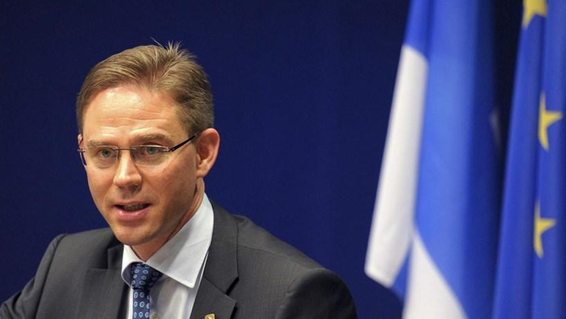 Deputados europeus pressionam Comissão a não suspender fundos a Portugal